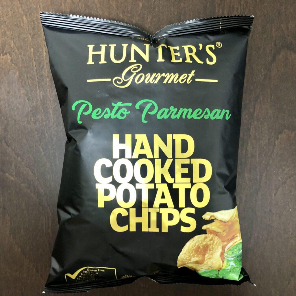 「Hunters(ハンターズ) ポテトチップス バジル風味」の袋(正面)